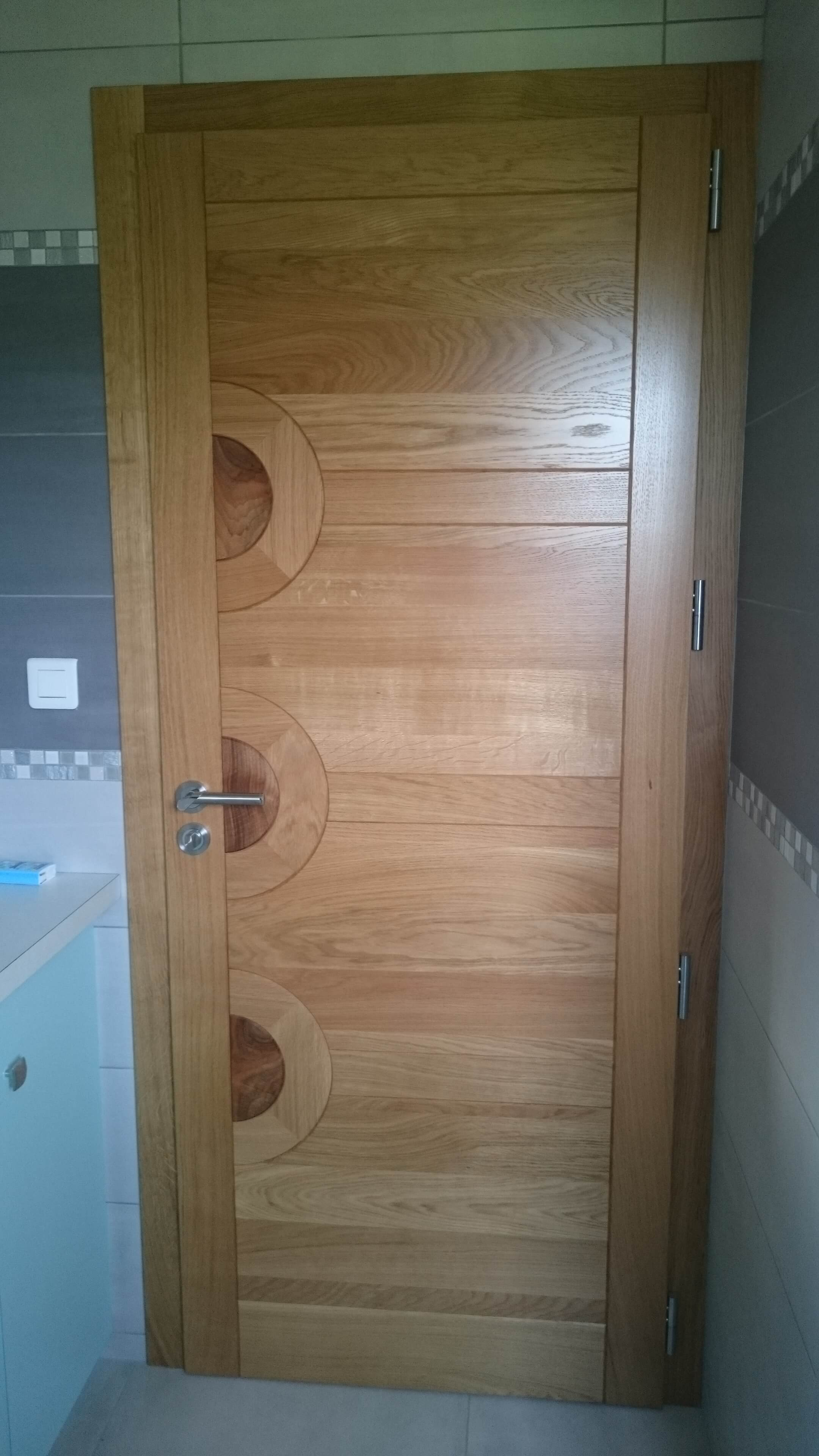 Menuiserie Figard - Fabrication sur mesure - Porte d'intérieur - Chêne noyer - Vesoul