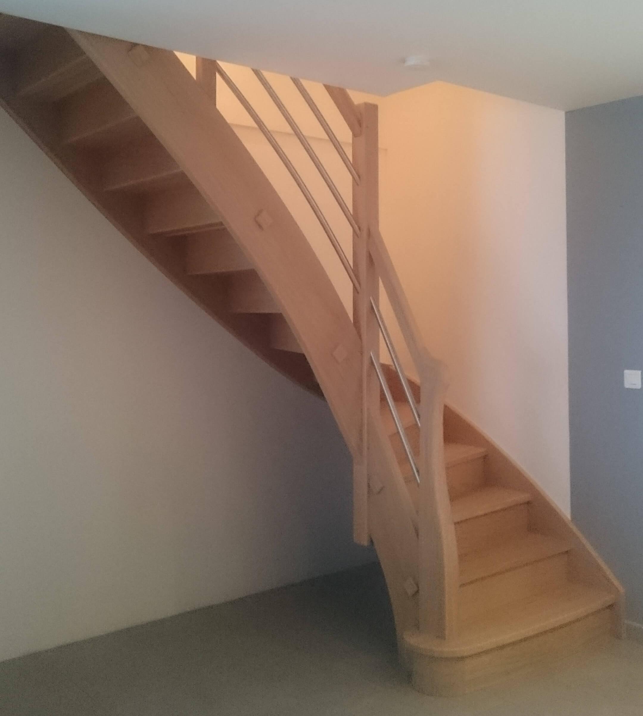 Menuiserie Figard - Fabrication sur mesure - Escalier 1/4 tournant - Chêne blanchi inox - Vesoul