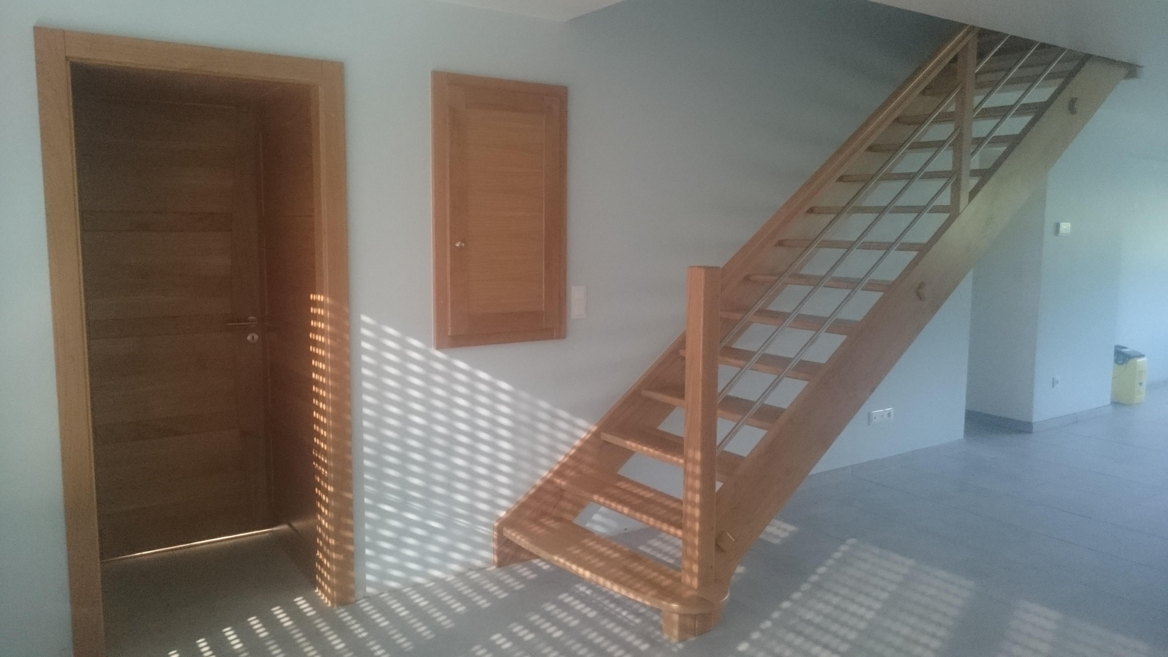 Menuiserie Figard - Fabrication sur mesure - Escalier droit - Chêne inox - Vesoul