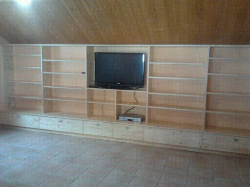 Menuiserie Figard - Fabrication sur mesure - Meuble télé - Sapin - Vesoul