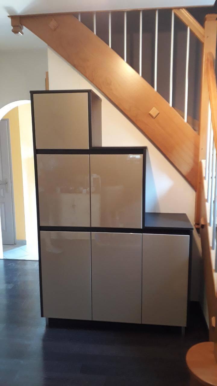 Menuiserie Figard - Fabrication sur mesure - Meuble sous escalier - Laqué - Vesoul