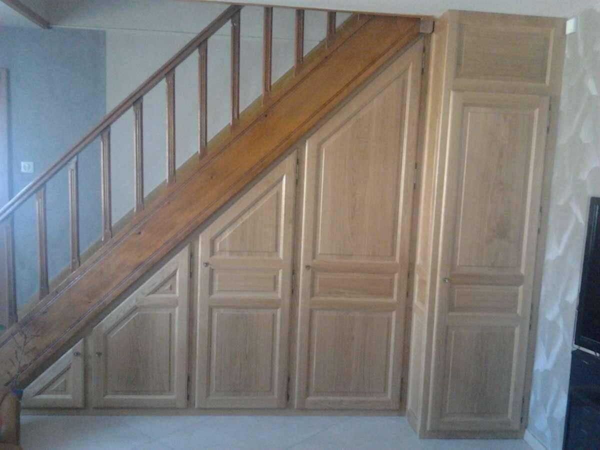 Menuiserie Figard - Fabrication sur mesure - Aménagement sous escalier - Chêne - Vesoul