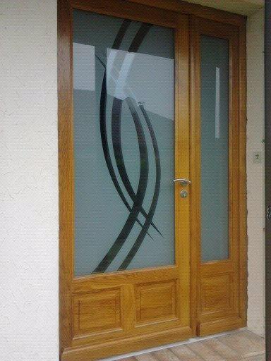 Menuiserie Figard - Fabrication sur mesure - Porte d'entrée - Chêne vitrage sablé - Vesoul